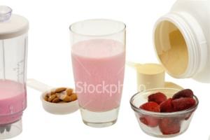 ist2_3644496-protein-shake